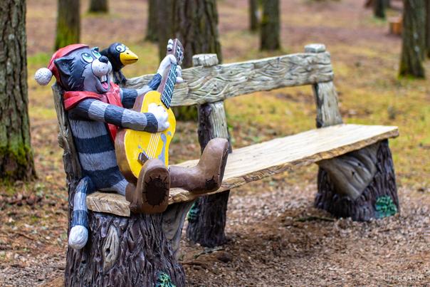 """Скамейка в детском парке. Спасибо проекту """"Лесная сказка"""" Улицы города Ухта"""