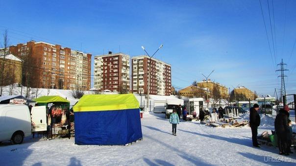 пр.советских космонавтов. рыночек. как то режут глаза палатки сине желтые,так чутка Улицы города Ухта