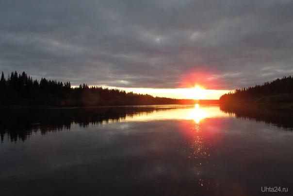 на севере искры вечером на реке,не нашей но в неё ухта впадает Природа Ухты и Коми Ухта
