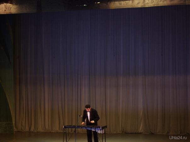 Титаренко-заслуженный артист РК на сцене ГДК г.Ухта. Мероприятия Ухта