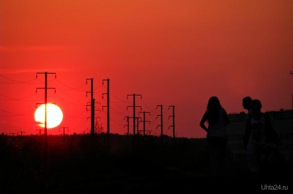 Набережная нефтяников. Вечереет Улицы города Ухта
