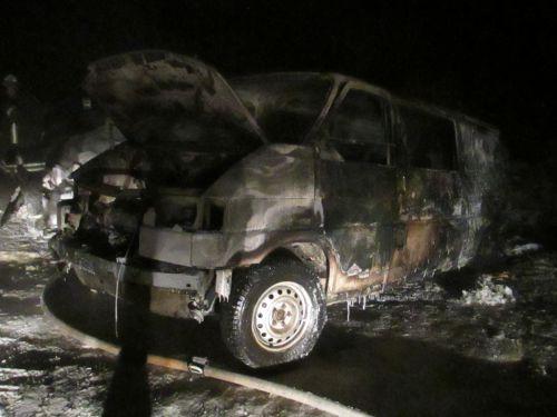 На Прикарпатті згорів мікроавтобус